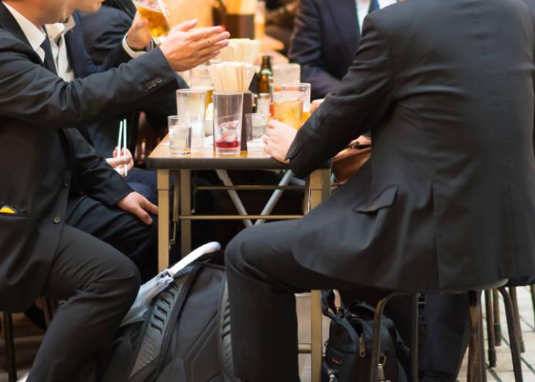「会社の上司と飲む」のが普通なことにびっくり!
