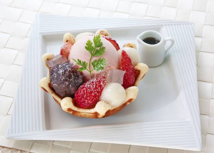 "5. Shinjuku Nakamuraya: East Meets West with the ""Sakura Anmitsu Waffle"""