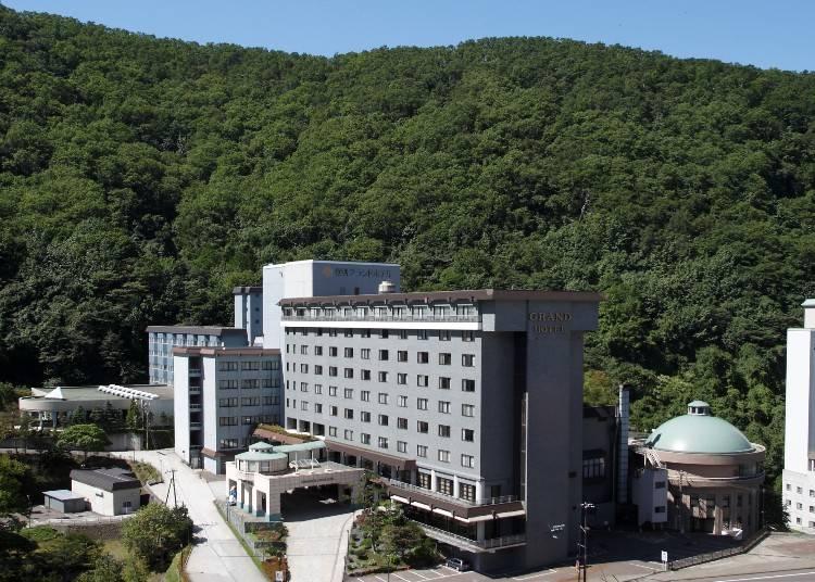 滝見風呂やローマ風呂など個性豊か!「登別グランドホテル」