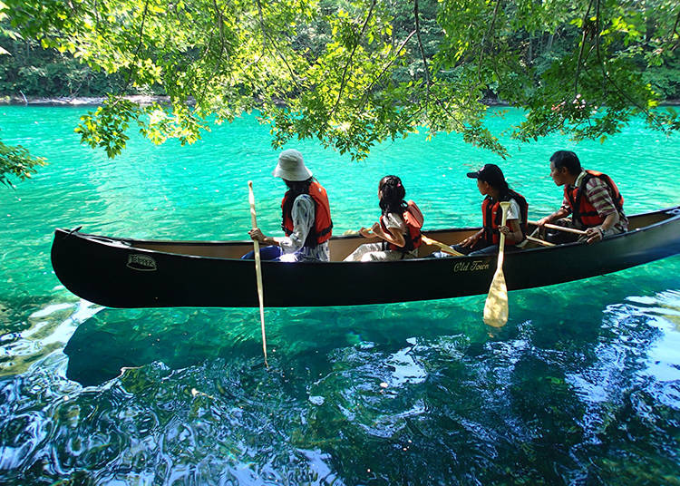Explore the mysterious lake 'Shikotsuko' - Experience the tranquility by canoe!