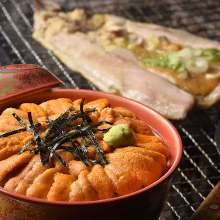 Great seafood cuisine you must try on Rebun Island! Uni-don (sea urchin bowl) and Hokke no Chanchan-yaki (Atka mackerel grilled chanchan-style)