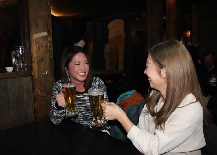 ◆在地人、觀光客都喜歡的人氣「Bar moon」