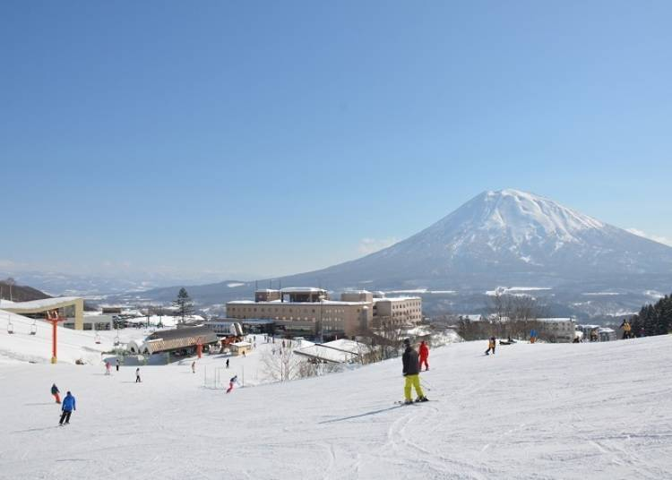 5. Hotel Niseko Alpen: Refresh yourself by leisurely soaking in the spacious hot spring!