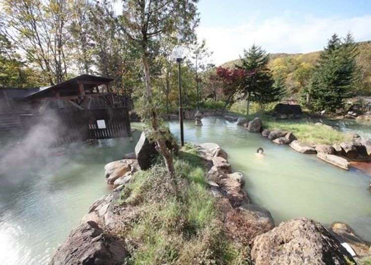 Niseko Hokkaido: 3 best hot springs in Niseko offering beautiful mountain views!