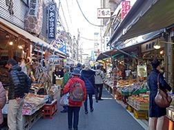 ด้านในและด้านนอกตลาดทสึคิจิ