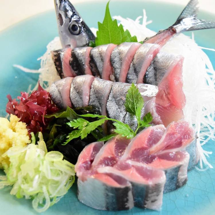 Sales for Fresh Sliced fresh raw pacific saury 980yen open today at 7:00AM.