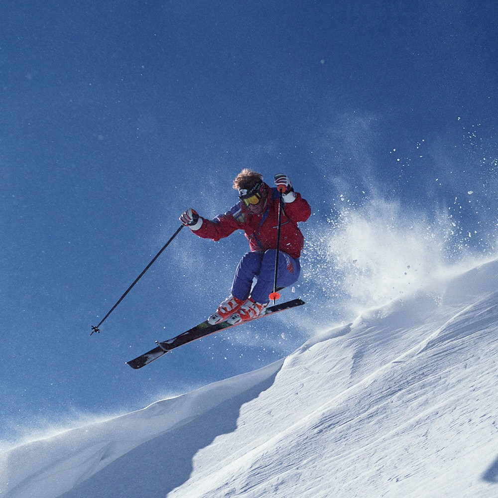 Ski & Luncur Papan Salji