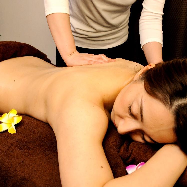 Aromatherapy massage  60min \4500