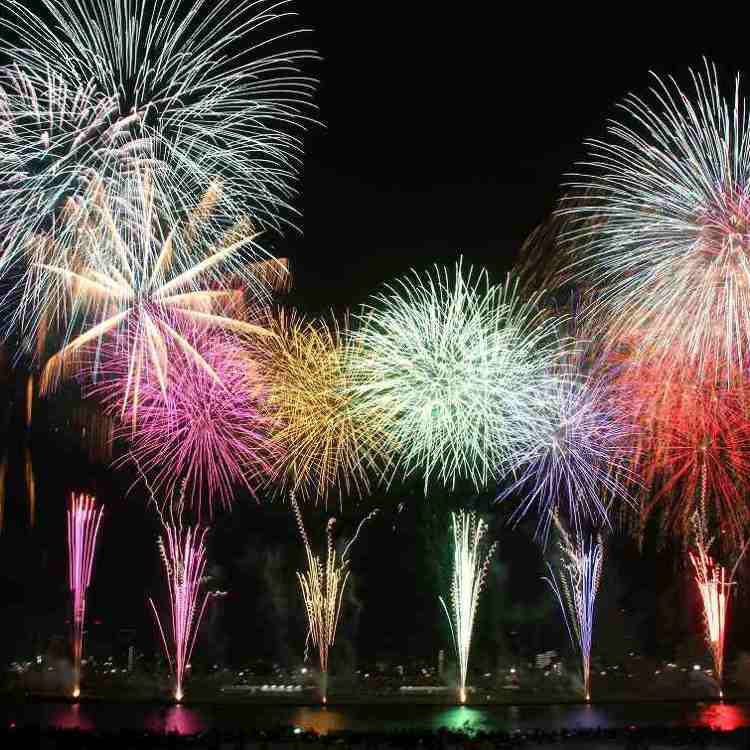 Display of Fireworks on the Adachi City about 12,000 bottle rockets!