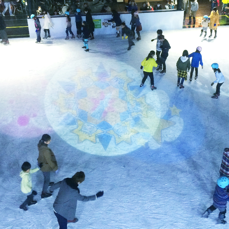 [An ice skate rink is open now at Tokyo Skytree Town℠!]