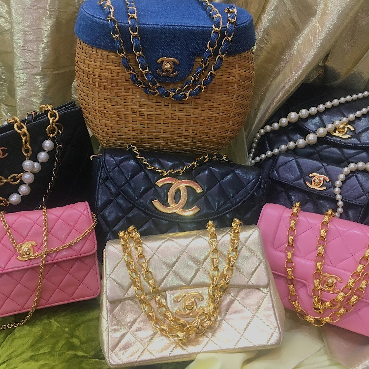 ✨Beautiful collection of vintage CHANEL bags✨