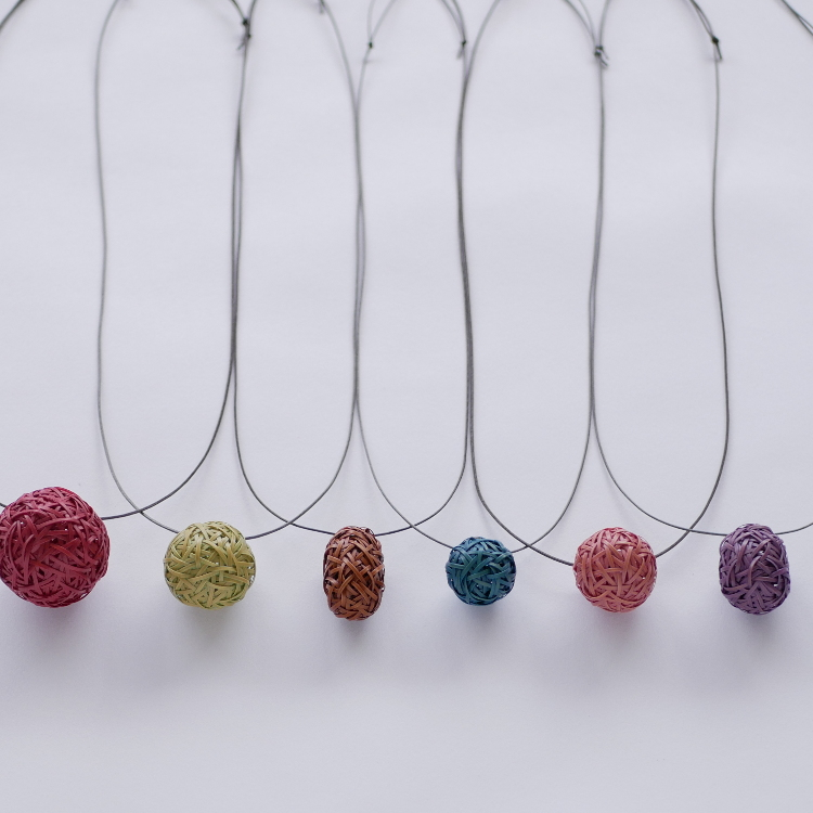 Easy handcraft and dye workshop for bamboo ball pendant