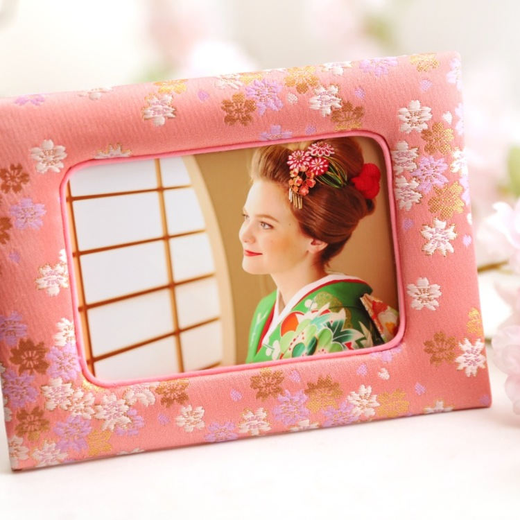 "【March20th~31st  Limited】Special gift of ""Sakura"" Photoframe"