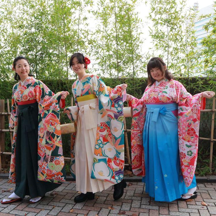【Line campaign】Hon-furisode with free hakama