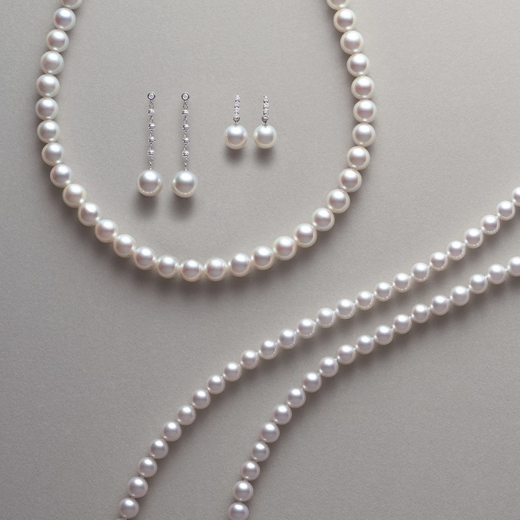"Based on the concept of ""Smart contemporary gorgeous"", pearl jewelry collection. These things  ""Made in Japan""."