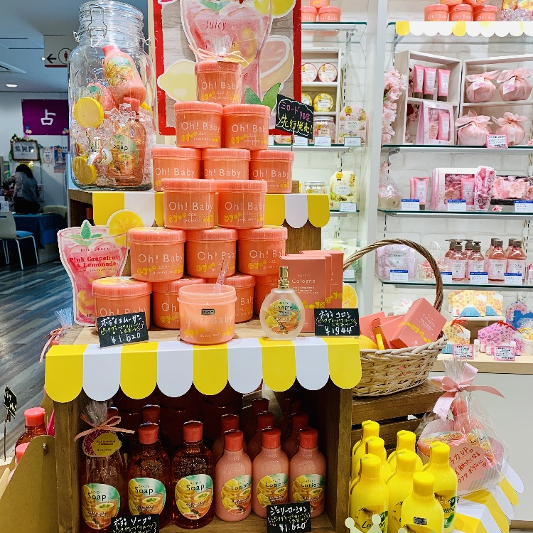 【6F Oh!Baby by HOUSE OF ROSE】  Oh! Baby New work!!  『Pinkgrapefruit&Lemonade』  Body smoother PL (350g)  1500JPY (Excluding tax)   Body soap 1300JPY (Excluding tax) Body lotion 1500JPY (Excluding tax) Body colon 1800JPY (Excluding tax)