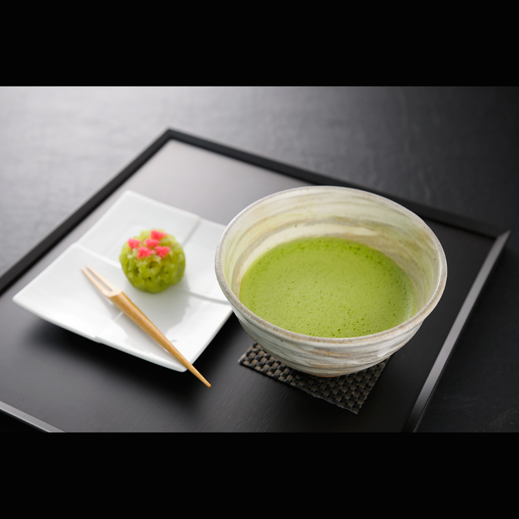 Matcha green tea set with fresh, quality Japanese confectionaries