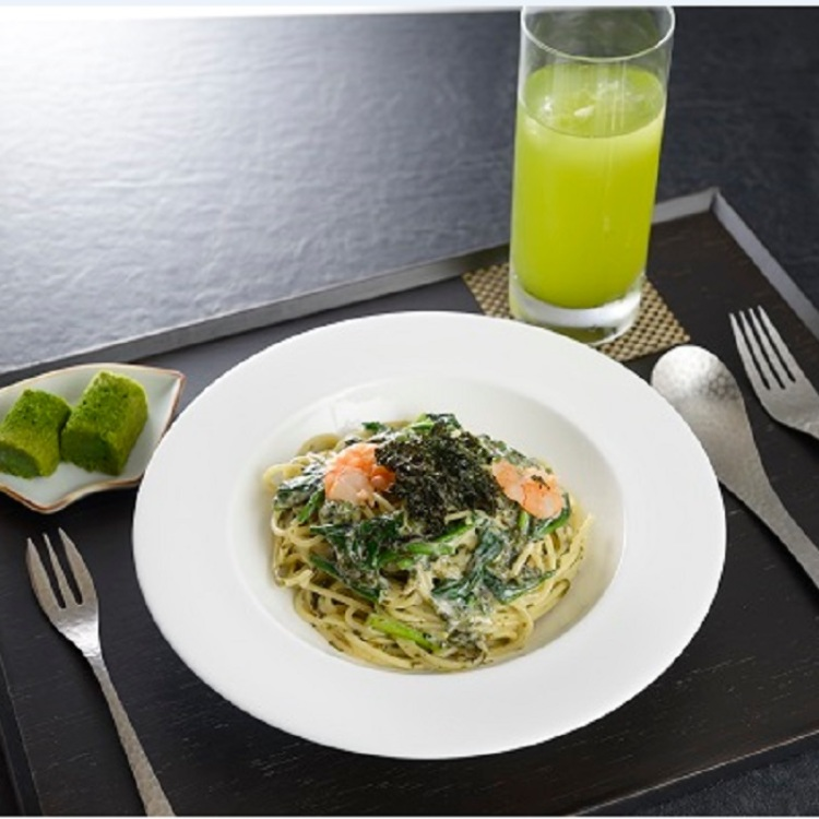 We offer our new menu &quot;Cream Pasta dressing with Seaweed&quot; every Wednesday, Friday and Sunday.<br />
