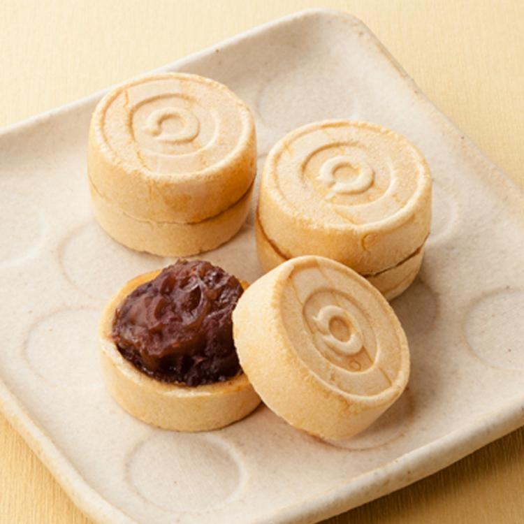 [오구라 모나카 5개입] 찹쌀을 구워 만든 고소한 껍질 사이에 팥소가 들어있습니다.