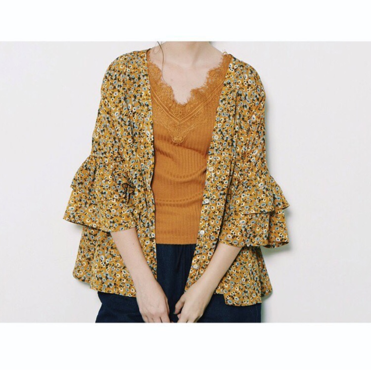 Flower pattern blouse