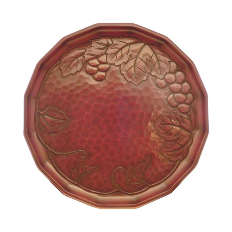 Kamakura-bori 27 cm round serving tray with grapevine design