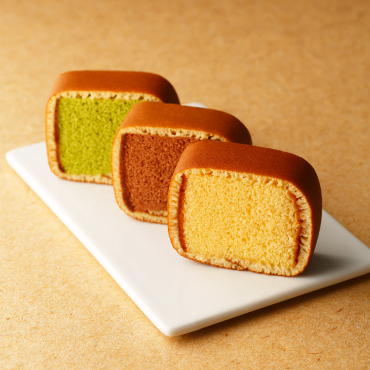 Castilla Maki(sponge cake wrapped in pancake-like bread)