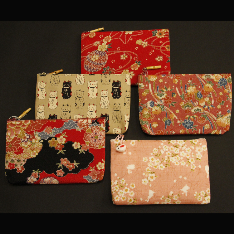 Various traditional-Japanese-patterned pouches