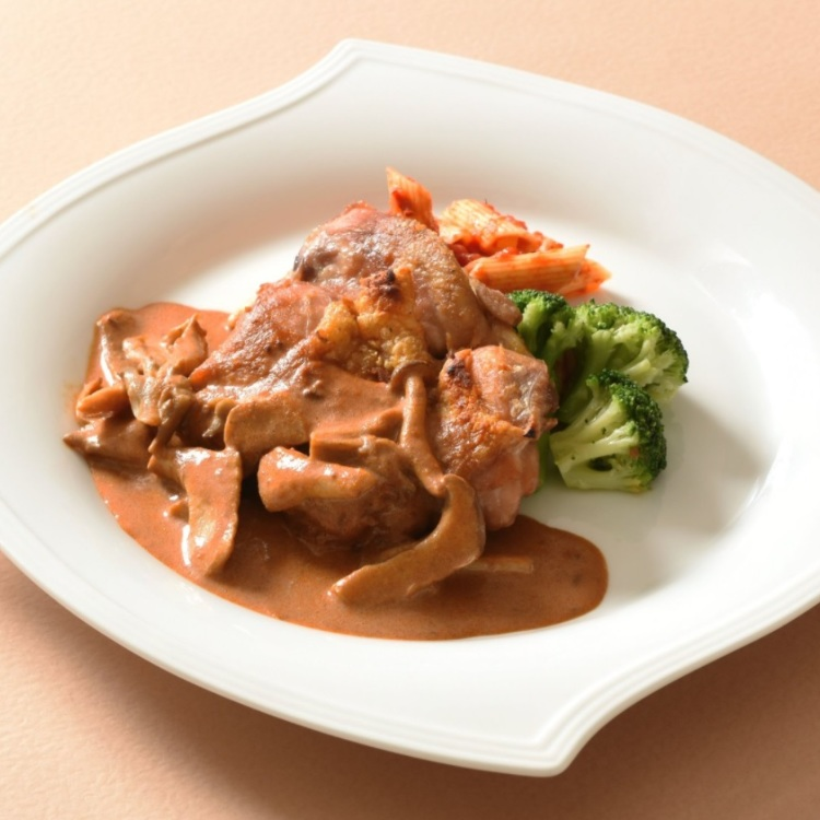Chicken saute with mushroom cream sauce