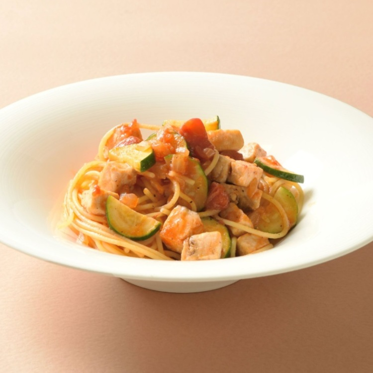pasta with marlin and zucchini with tomato sauce