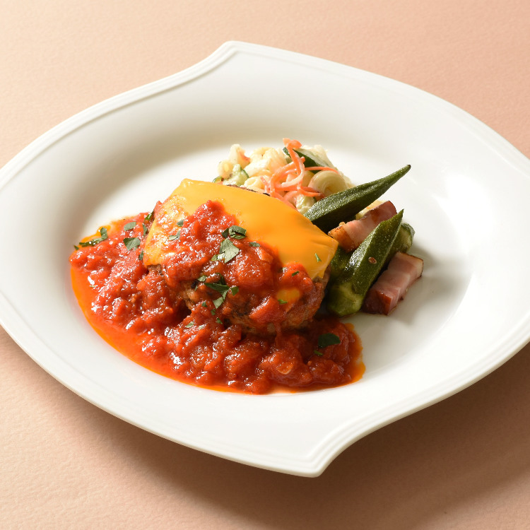 Hand-mixed hamburger steak with tomato sauce