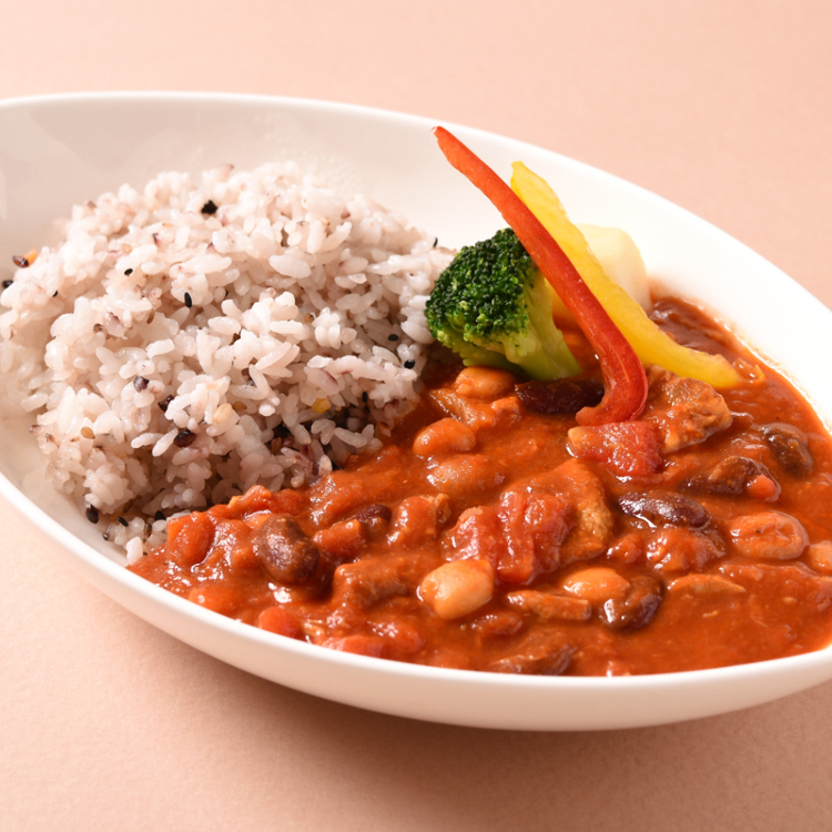 Tomato curry of pork and four kinds beans