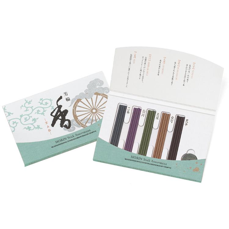 芳轮/京五彩<br /> 以5种不同的香味表现出天然香料的深奥及缤纷多彩的世界。