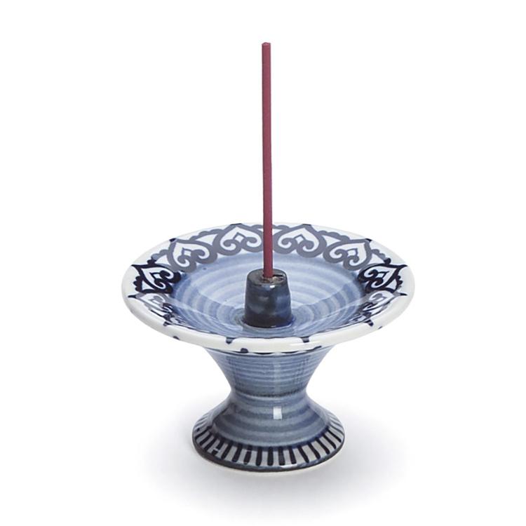 Incense Holder Karakusa/Arabesque<br /> An elegant incense burner for your incense enjoyment.