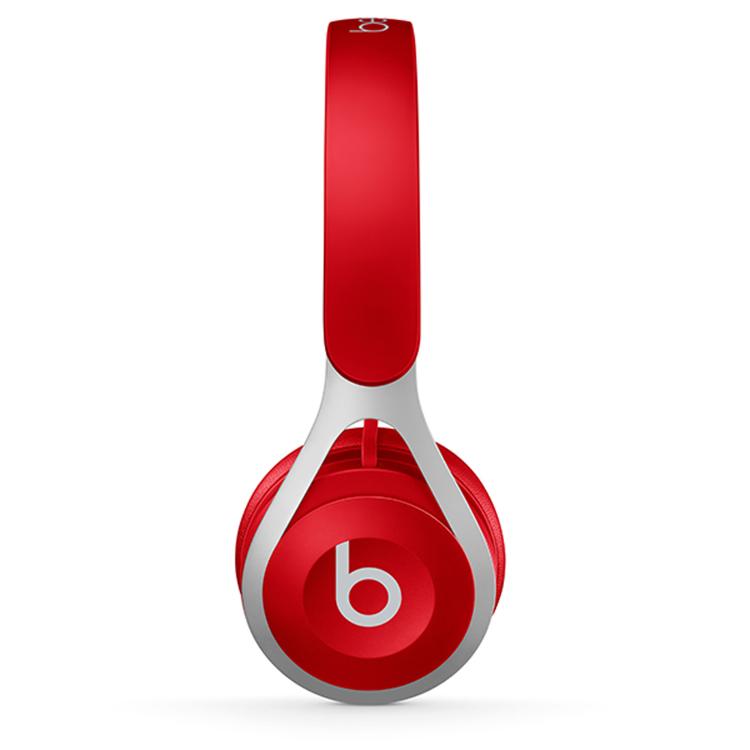 本店经销从大众价格至高级商品的所有种类耳戴式、头戴式耳机。