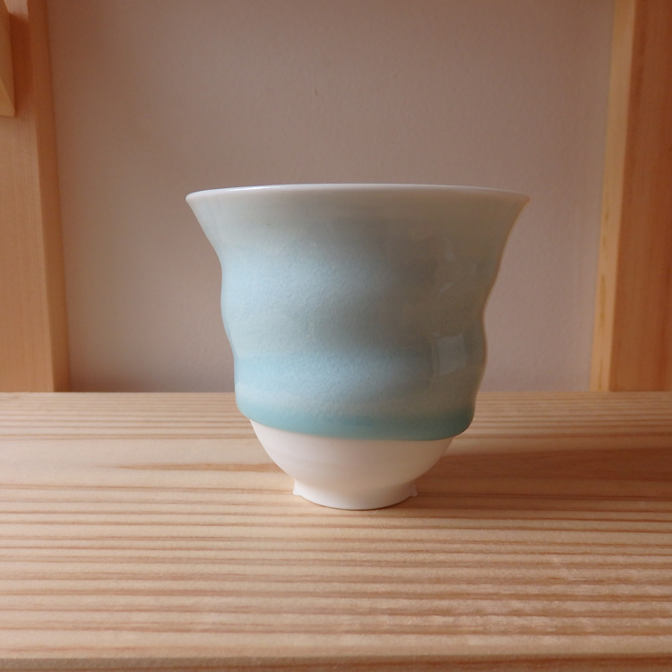 "A ceramic artist residing in Tochigi prefecture, Jun Wagatsuma's ""free-cups"" (cups with no handles)"