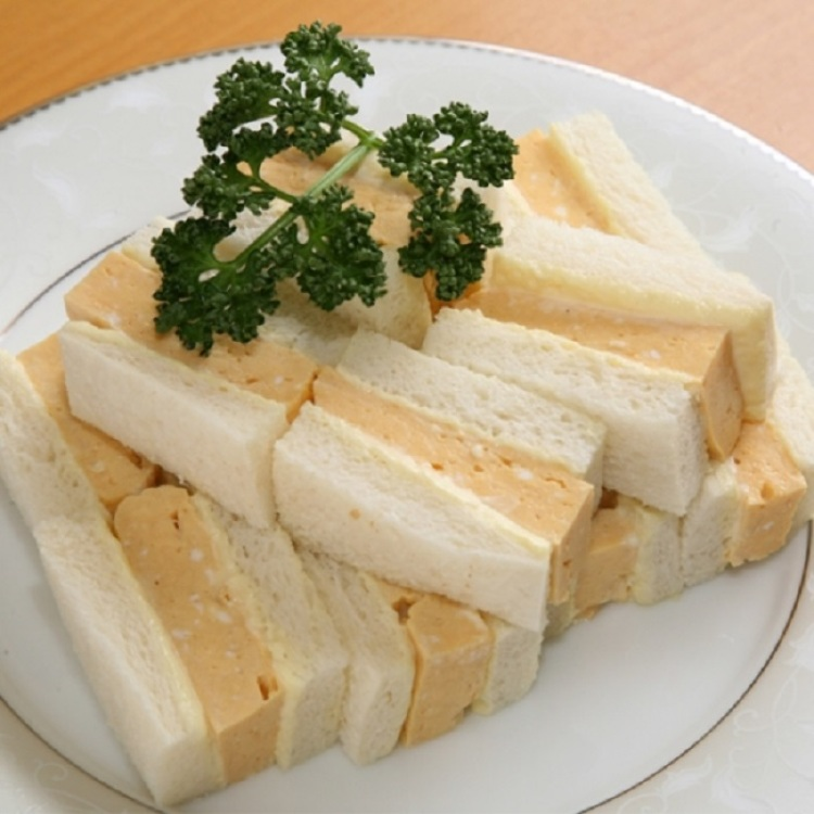 It is introduced to television and magazines. It is a popular sandwich with a reputation that is difficult to purchase without reservation.  AMANOYA/ Egg sand (6 pieces, including 12 pieces)  ■A Bld.B1F= Seibu Food Center