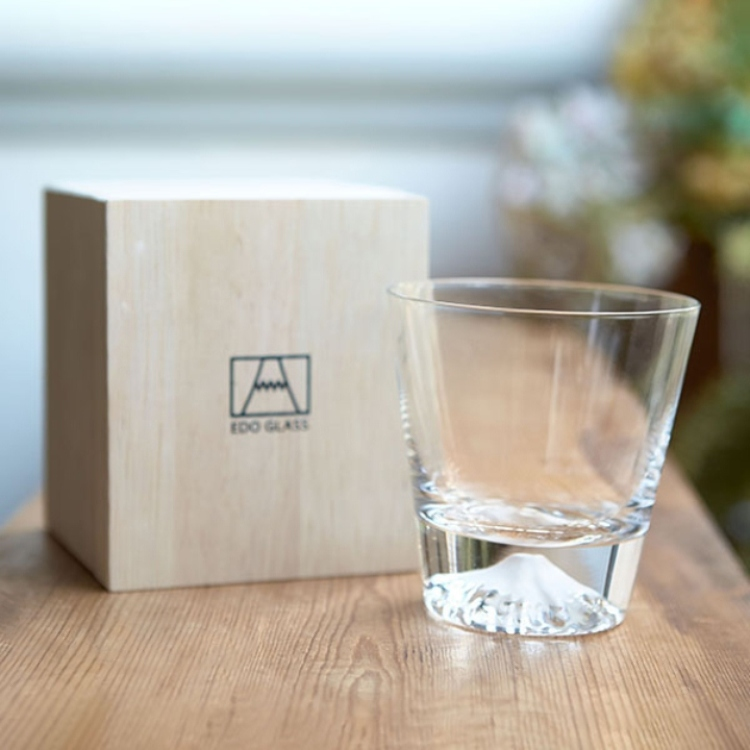 [Hit Item] Edo Kiriko Glass Mt. Fuji Rocks Glass (Packaged in Wood Box)