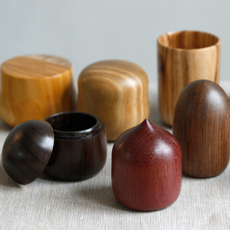 M. Kawamura - Wooden small box<br />