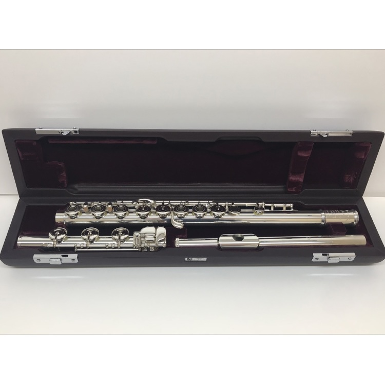 Flute MURAMATSU  DSRHE (made in Japan)<br /> All-silver flute from Japan&#039;s premier flute maker