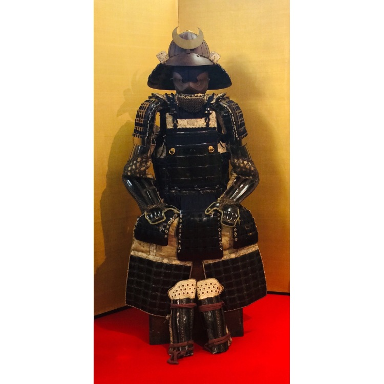A suite of armor made by Myochin Kinomunehiro. ※Please ask us for the price