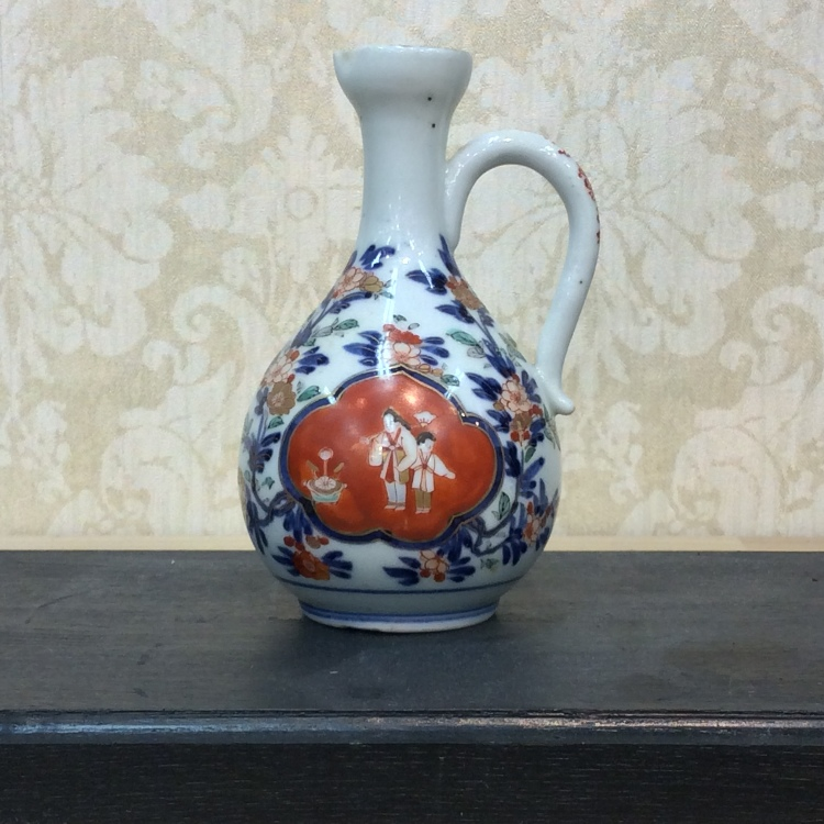 """Imari Color picture Water pot