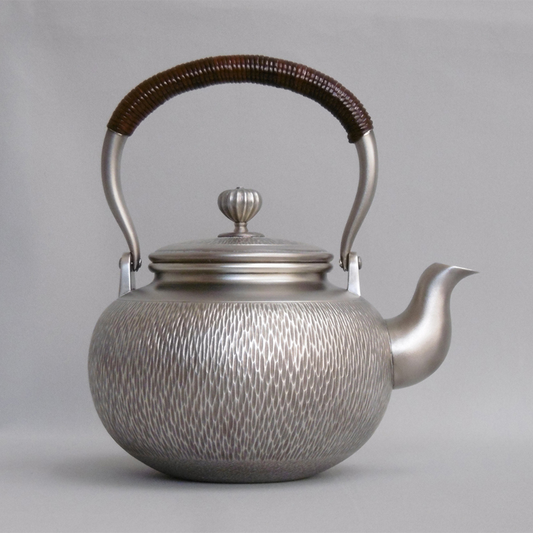 12 cm Sterling Silver Kettle (Rush pattern) Supervised by Living National Treasure Houseki Okuyama