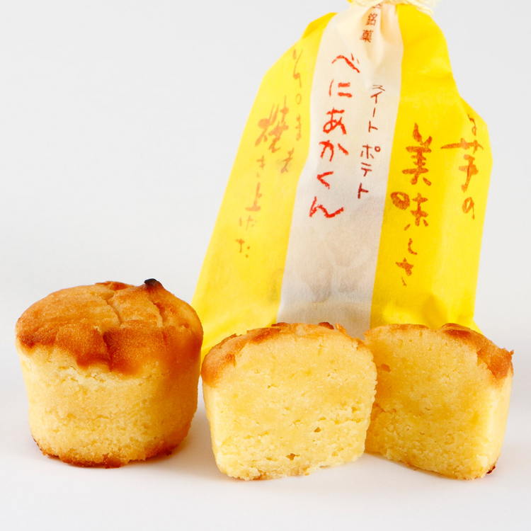 Beniakakun<br /> A moist sweet potato sweet, created by a Japanese confectionery store, made using sweet potatoes