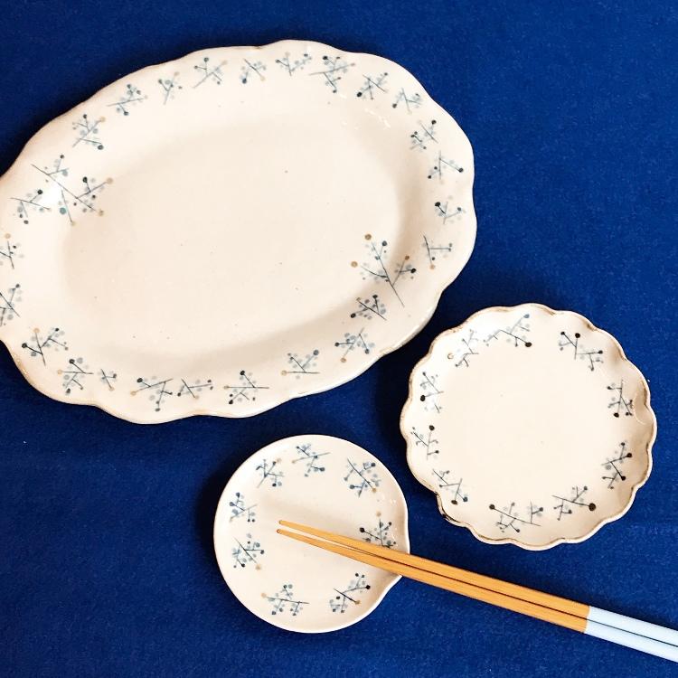 Momogama,Momoko Tanabe,pottery ellipse plate,small wahanasara,chopstick rest