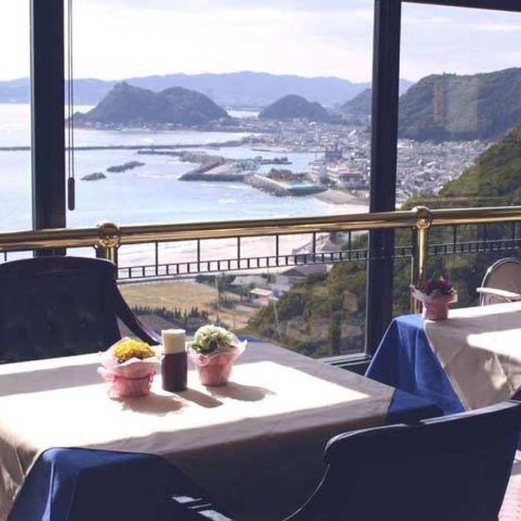 Kamogawa Hills Resort Hotel