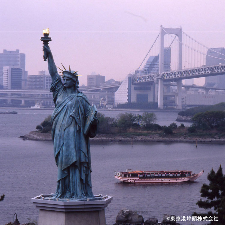 statue of liberty tokyo live japan japanese travel sightseeing