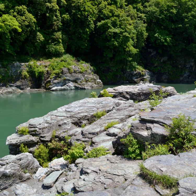 나가토로 이와다타미 암석단구