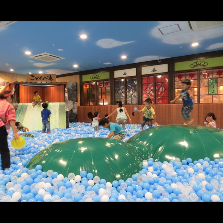 東京こども区 こどもの湯 ~史上最大級のボールプール温泉~