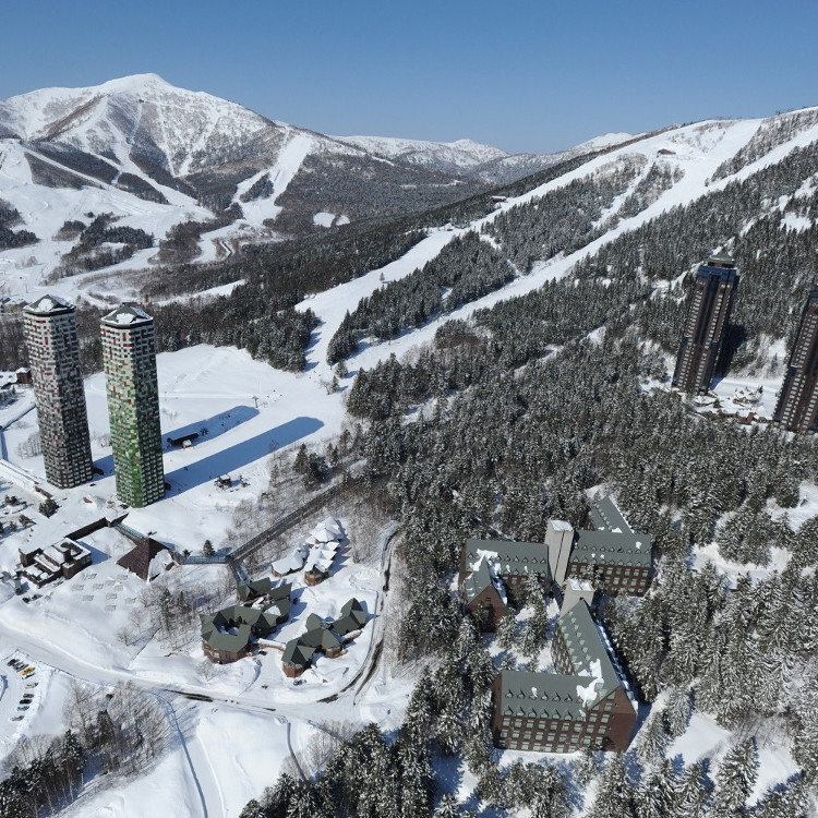 Hoshino Resorts Tomamu Snow Park & Resort
