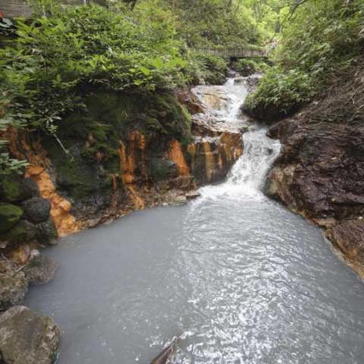 大汤沼川天然沐足温泉